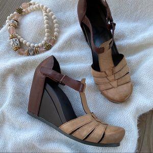 OTBT Ripley T Strap Colorblock Wedge Heels 8.5